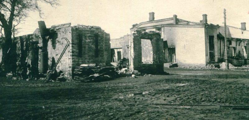 Руины завода «Красный металлист». Март 1943 г.