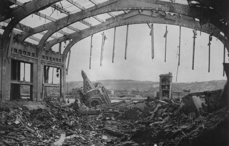 Руины Шербура после освобождения города. Июль 1944 г.
