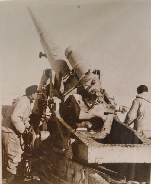 Расчет немецкого орудия. Январь 1944 г.