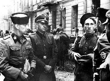 Солдаты РОНА в Варшаве.