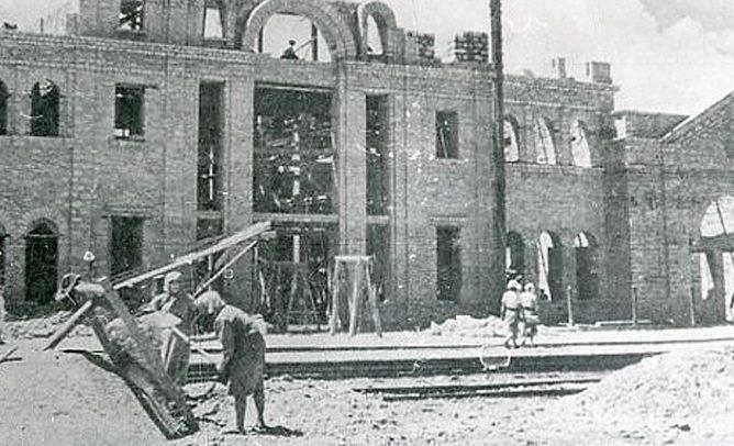 Восстановление ж/д вокзала. Апрель 1943 г.