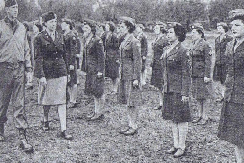Взвод WAC штаб-квартиры 5-й армии в Италии. Апрель 1944 г.