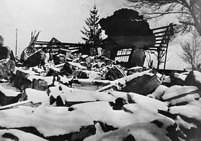 Остатки железнодорожного вокзала. 1943 г.