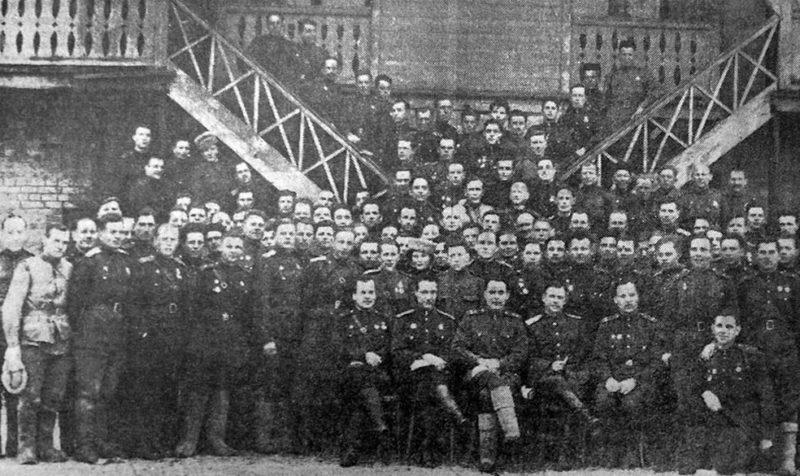 Политработники 18-й армии во главе с Брежневым Л.И. 20 января 1944 г.