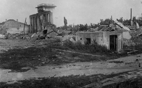 Руины вокзала. 1943 г.