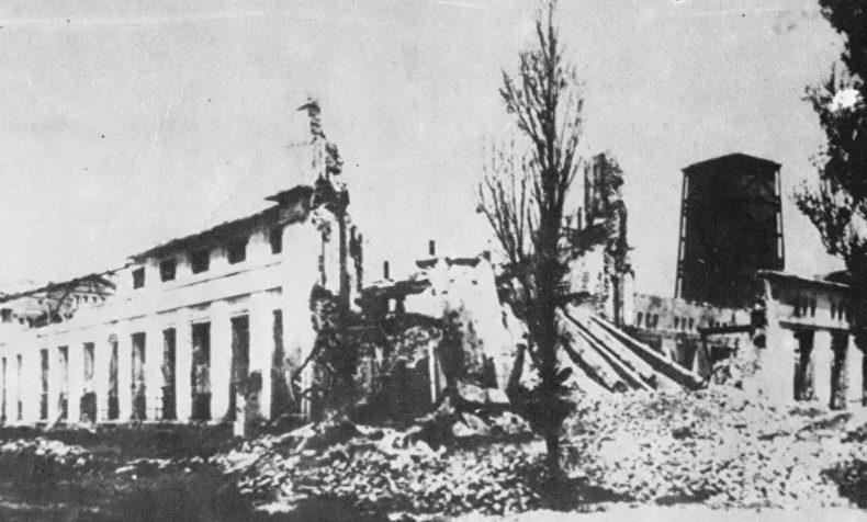 Развалины электростанции. 1944 г.
