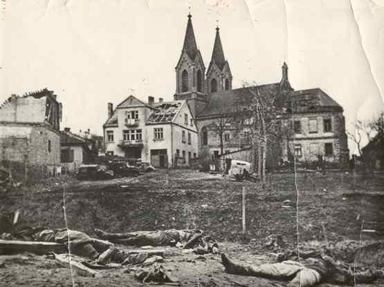 Восточный берег р. Устя в районе костела. Февраль 1944 г.
