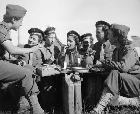 Французские медсестры. Регион Вогезы, сентябрь 1944 г.