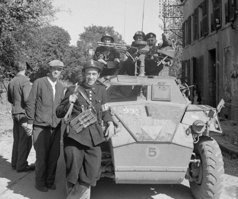 Британская армия и французские патриоты в Гавре. 12 сентября 1944 г.