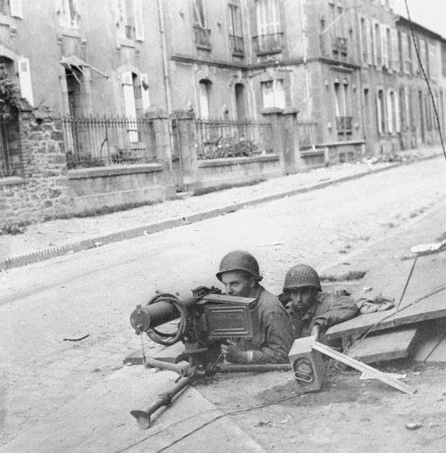 Американцы в бою за Брест. Октябрь 1944 г.