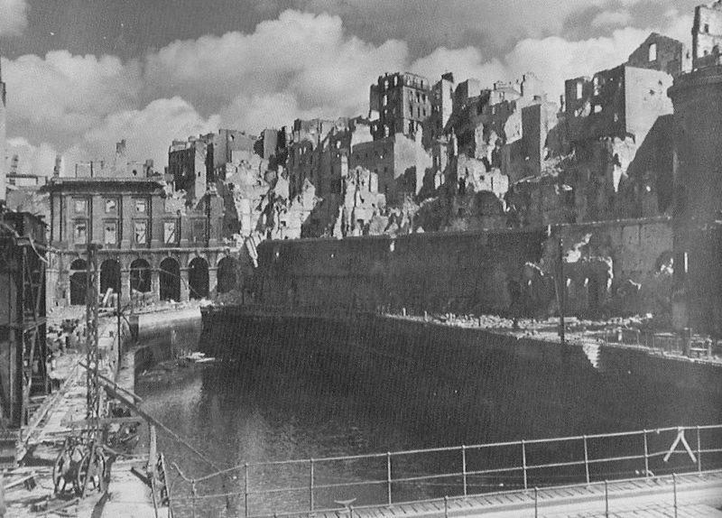 Разрушения в Бресте. Октябрь 1944 г.