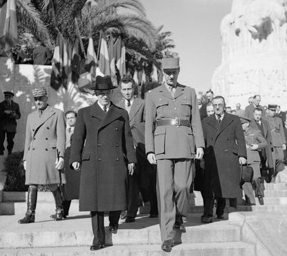 Чехословацкий президент д-р Эдвард Бенеш и французский генерал Шарль де Голль в Алжире. Январь 1945 г.