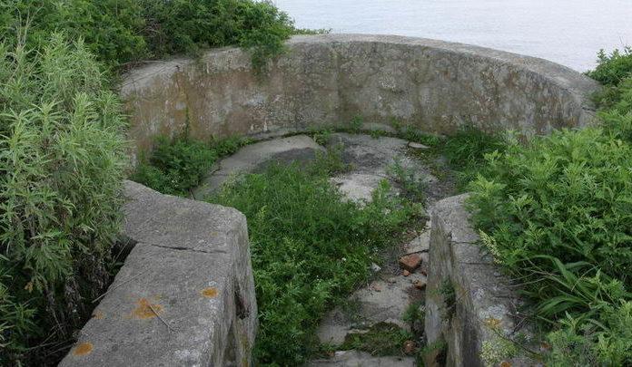 Командно-дальномерный пункт, дворик для дальномера.