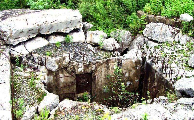 Взорванный ДОТ после демаркации советско-китайской границы.