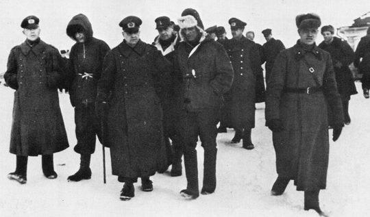 Генерал-фельдмаршал Ф. Паулюс и его генералы в плену.