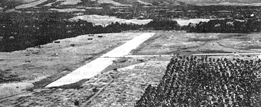 Аэродром у мыса Лунга на Гуадалканале в процессе строительства. Июль 1942 г.