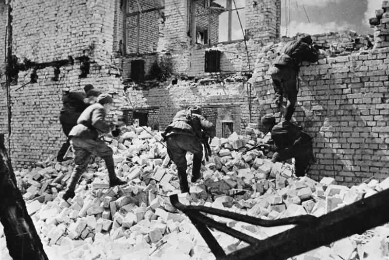 Уличные бои в Сталинграде.
