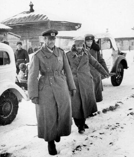 Генерал-фельдмаршал Фридрих Паулюс, генерал-лейтенант Артур Шмидт, адъютант Вильгельм Адам после сдачи в плен. Сталинград, Бекетовка, штаб советской 64-й армии. 31 января 1943 г