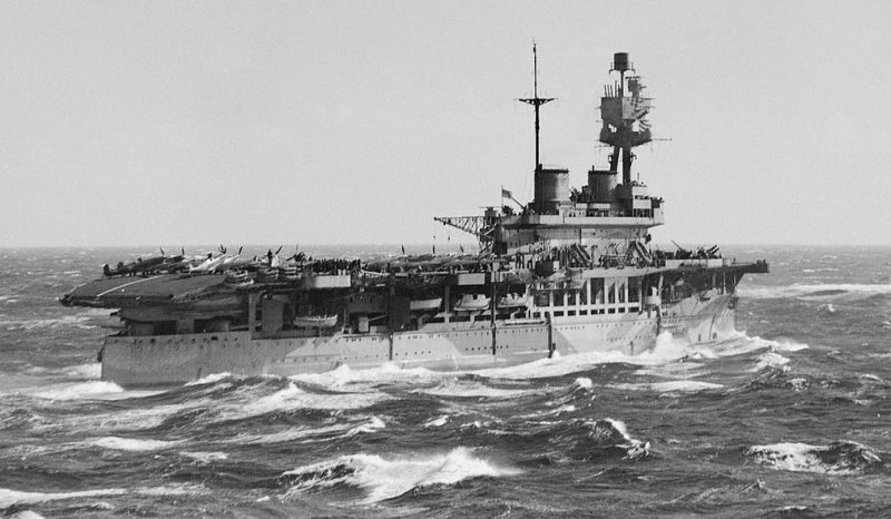 Авианосец у берегов Мальты. 7 марта 1942 г.
