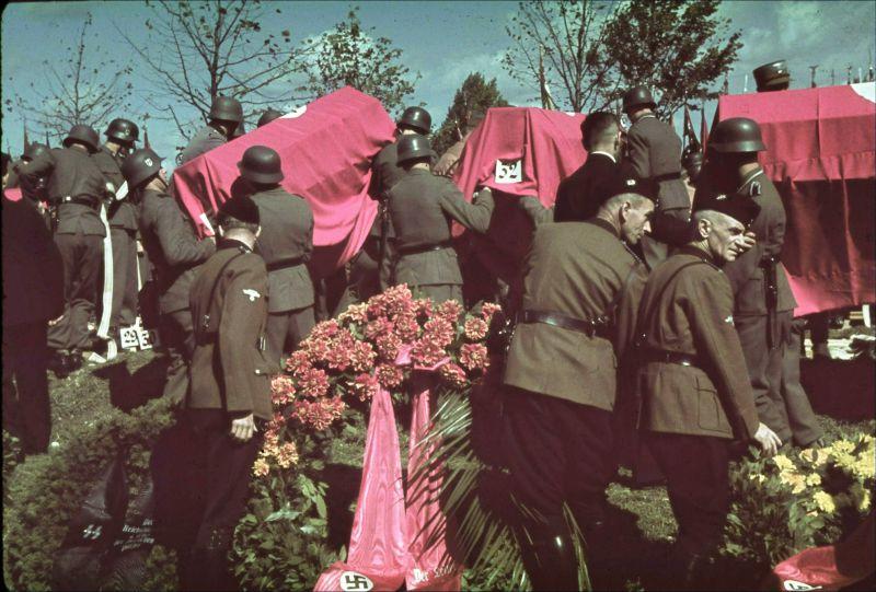 Похороны жителей Мюнхена, погибших в результате бомбардировок 20 сентября 1942 г.