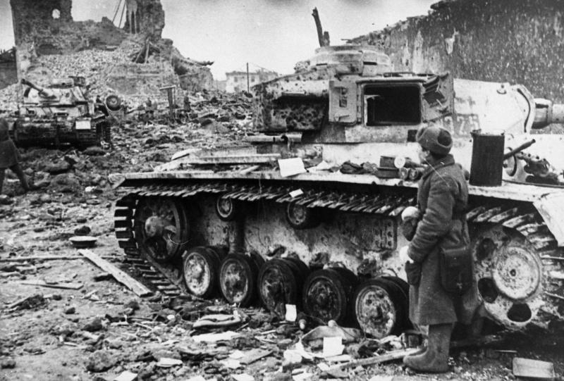 Подбитая немецкая бронетехника.
