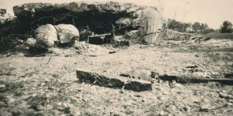 Разрушенный ДОТ. Август 1941 г.