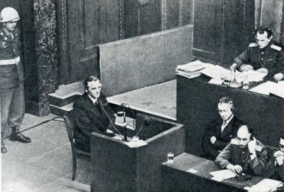 Ф. Паулюс свидетельствует на Нюрнбергском процессе.