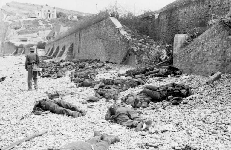 Погибшие десантники.