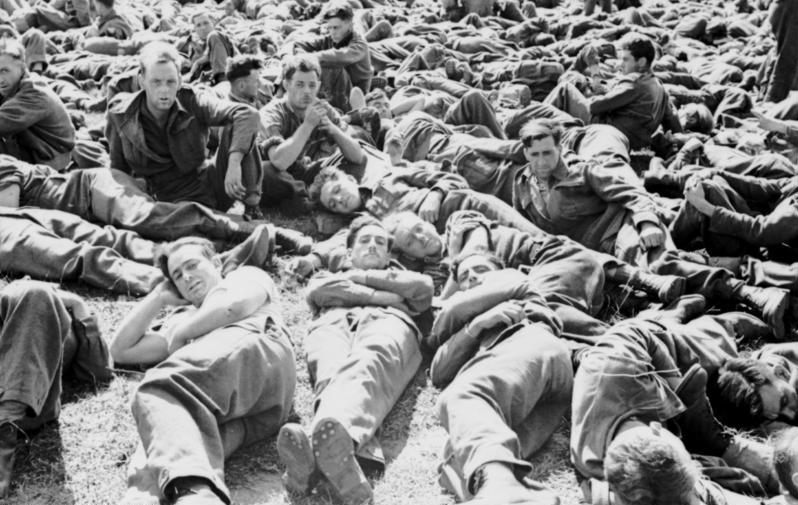 Солдаты Союзников в плену.
