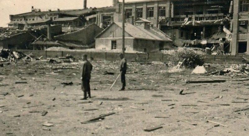 Разрушенный завод. 1941 г.