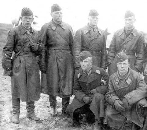 Пилоты 11-й школы военных летчиков. 1941 г.