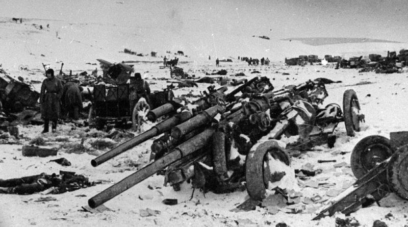 Прорванная немецкая оборона у города. Декабрь 1943 г.