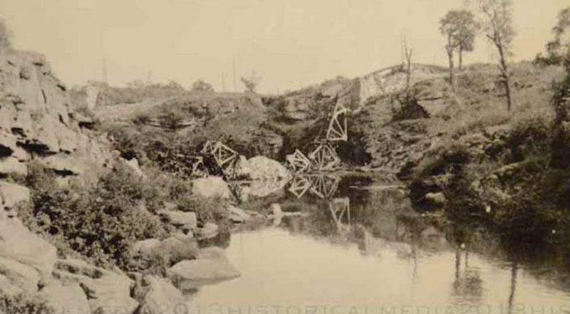 Разрушенный мост через реку Уж. 1941 г.