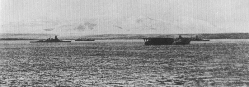 Линкор «Киришима», авианосец «Кага» и линкор «Хиеи» за три дня до похода на Перл-Харбор.