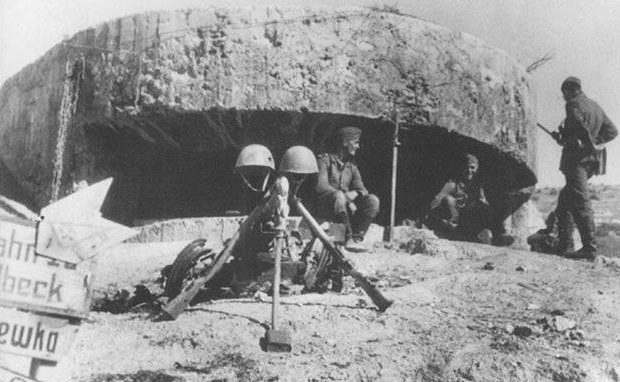 Артиллерийский ДОТ №5 у села Фруктовое для 100 мм орудия «Б-24».