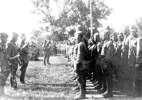 Принятие присяги бойцами 395-й шахтерской дивизии. 1941 г.