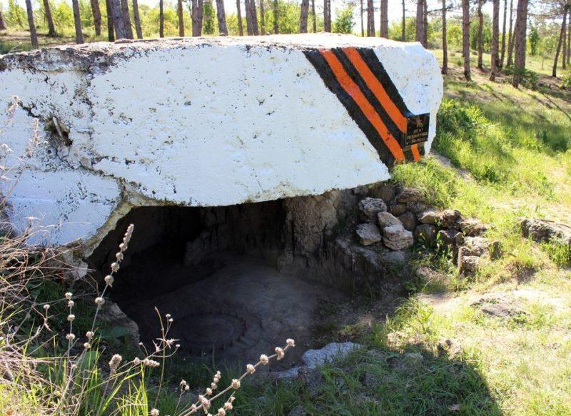Артиллерийский ДОТ №7 у ж/д станции Мекензиевы горы переделанный под морское зенитное орудие 34-К.