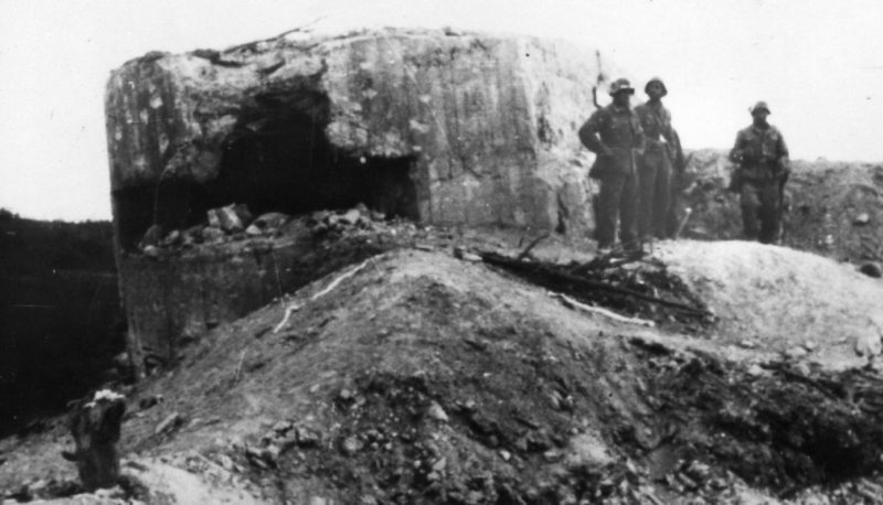 Артиллерийский ДОТ у ж/д станции Мекензиевы горы №8 для 45мм орудие 21-К.