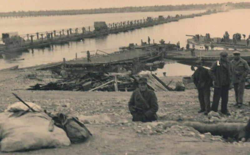 Немецкий понтонный мост. Август 1941 г.