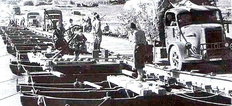 Итальянские войска на переправе. Июль 1942 г.