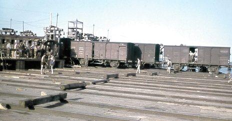 Паромная переправа через Днепр. 1942 г.