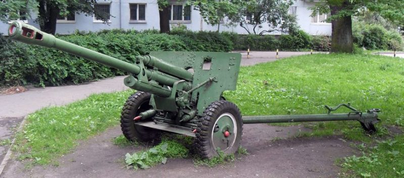Памятник-пушка.