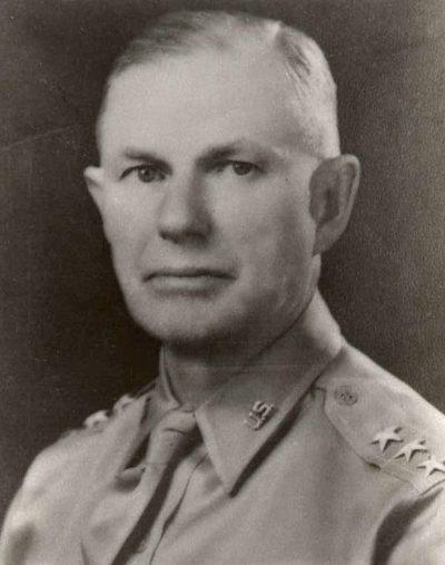 Генерал-лейтенант Уолтер Шорт.