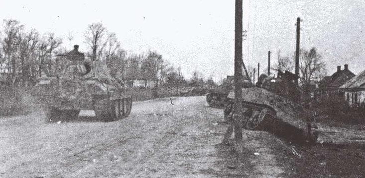 «Пантера» 5-го танкового полка СС на окраине города. Март 1944 г.