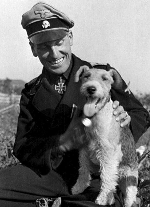 Немецкий офицер в Ковеле. Апрель 1944 г.