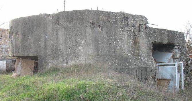 Артиллерийский ДОТ №32 в районе Молочной балки для 45-мм орудия 21-К.