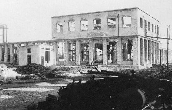 Разрушенный консервный завод. 1944 г.