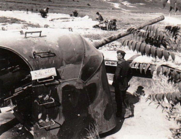Артиллерийский ДОТ №55 у Симферопольского шоссе под 100-мм орудие Б-24-БМ.