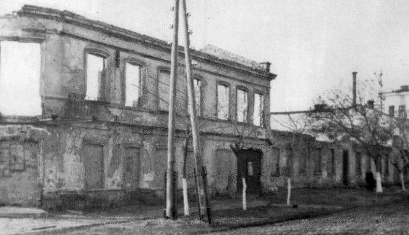 Общежитие фабрики «Комсомолка». Март 1944 г.