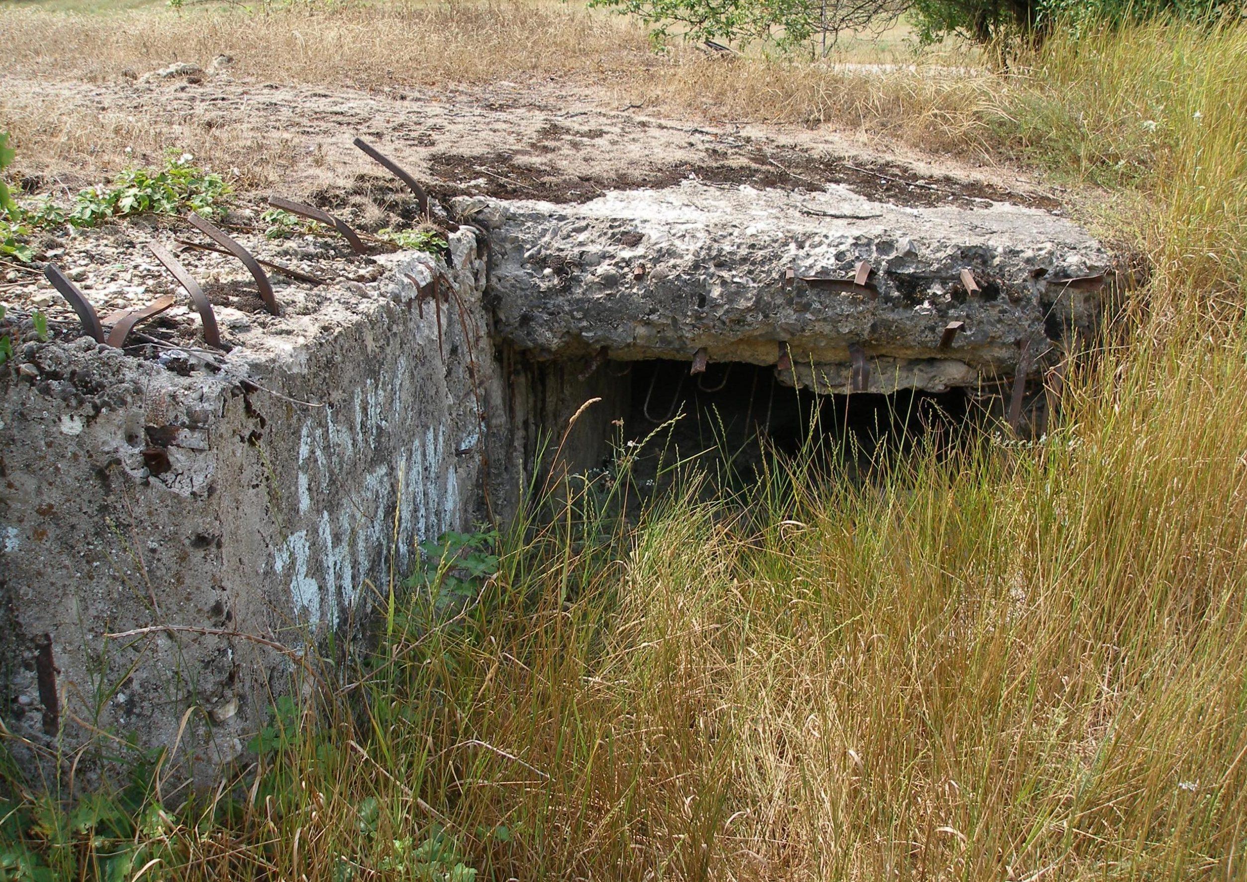 Артиллерийский ДОТ №56 у села Верхнесадовое под 100-мм орудие Б-24-БМ.
